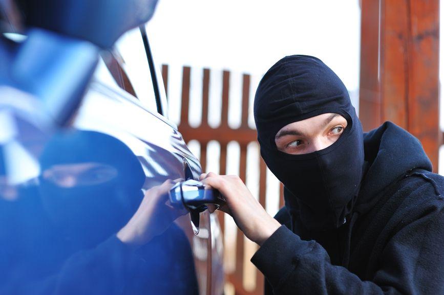 Cum verifici daca masina pe care vrei sa o cumperi este furata