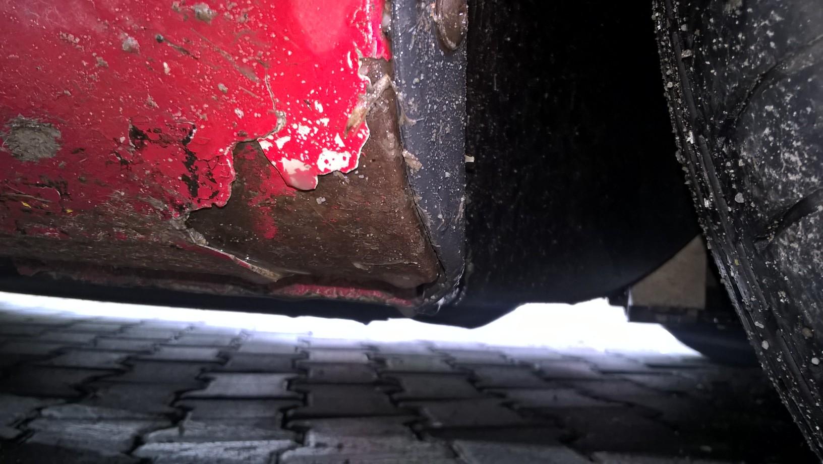 golv 5 rosu rugina la praguri teapa inspector pe teren