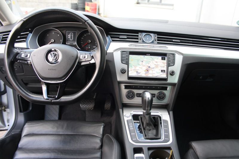 Volkswagen Passat 2,0 TDi 170 Highline DSG 2015 bord
