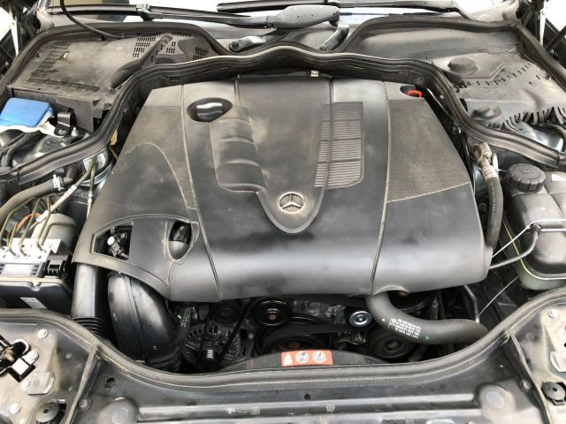 mercedes w211 e220 cdi 2008 automat vedere motor de sus